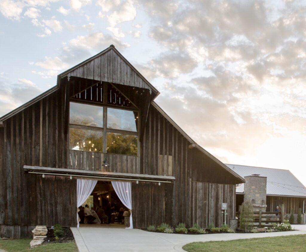 Barn Wedding, Tennessee Wedding, Tennessee Bride, Farm Wedding, Rustic Wedding, Wedding Venue, Cedar Hill, Country Wedding, Vintage Wedding, Elegant, Decor, Reception, Ceremony, Bride, Groom, Wedding Dress, Wedding Planning